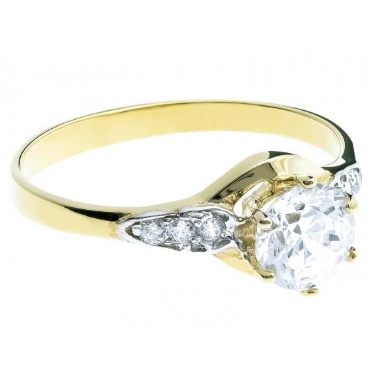 Złoty pierścionek wyeksponowana Cyrkonia