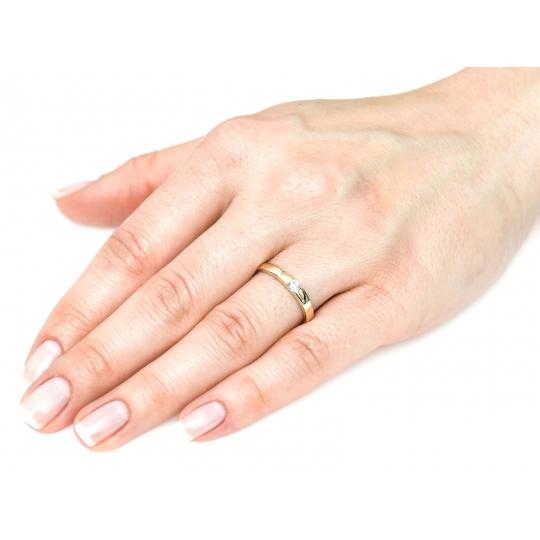 Złoty pierścionek kamień Obrączka próba 585
