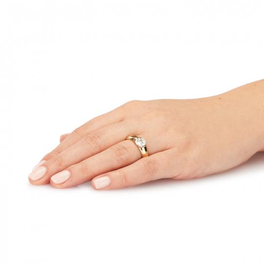 Złoty pierścionek z dużym kamieniem próba 585