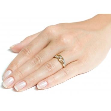 Złoty pierścionek Przeplatany SERCE