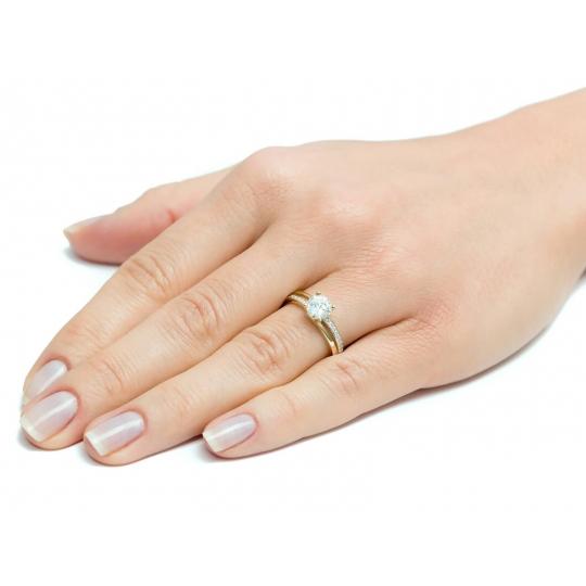 Złoty pierścionek z Cyrkoniami Zaręczynowy