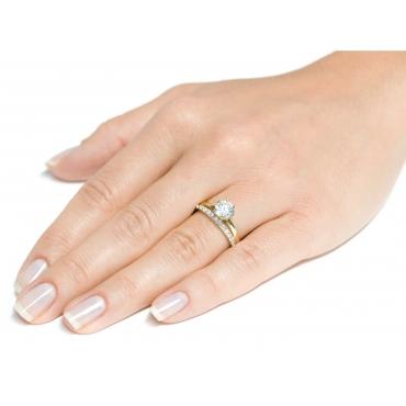Złoty pierścionek Cyrkonie okazały kamień