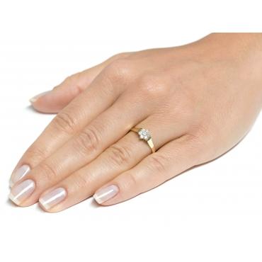 Złoty pierścionek Kamienie Wzór Kwiatek 2.1067