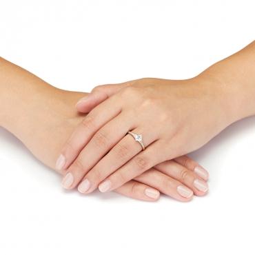 Złoty pierścionek z Cyrkoniami Zaręczynowy 3.1644