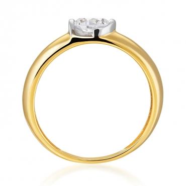 Złoty pierścionek z dużym kamieniem