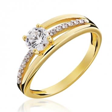 Złoty pierścionek kamieniowy
