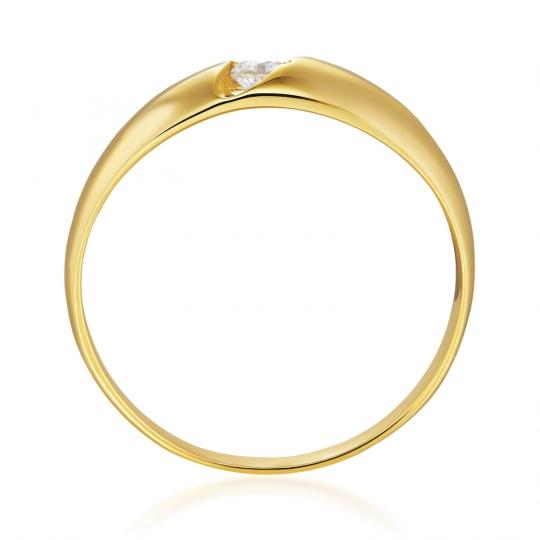 Złoty pierścionek z kamieniem idealny na prezent