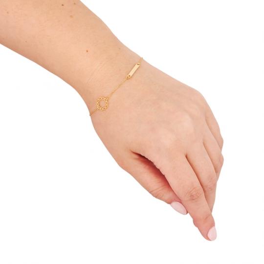 Złota bransoletka z blaszką i wianuszkiem